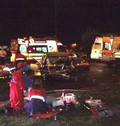 Accident rutier pe Autostrada A1, direcția Deva-Sebeș. O persoană a fost lovită de un auto