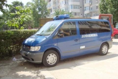 Trei minori din Sebeș surprinși de jandarmi la furat într-un depozit din localitate