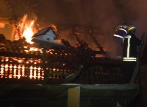 incendiu casa garda