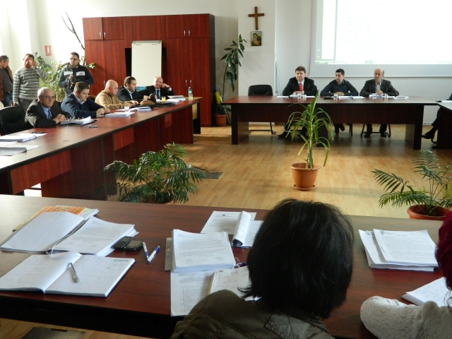 Marți, 28 aprilie 2015, Ședință la Consiliul Local Alba Iulia – Aprobarea listei de priorităţi la repartizarea locuinţelor pentru tineri și aprobarea normei de hrană pentru polițiștii locali, pe ordinea de zi