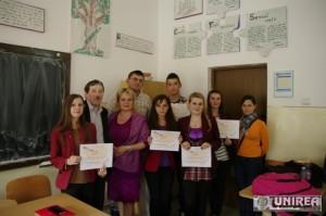 Colegiul National Avram Iancu din Cimpeni dezbateri concursuri de eseuri pe tema discriminarii (1)