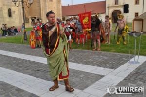 Parada a trupelor de reenactment de la Festivalul Cetatilor Dacice43