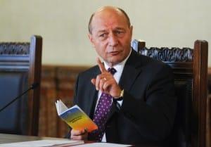 Presedintele Traian Basescu sustine o conferinta de presa privind proiectul de revizuire a Constitutiei trimis spre avizare Consiliului Legislativ, la Palatul Cotroceni, in Bucuresti