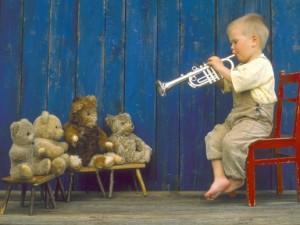 copil-trompeta