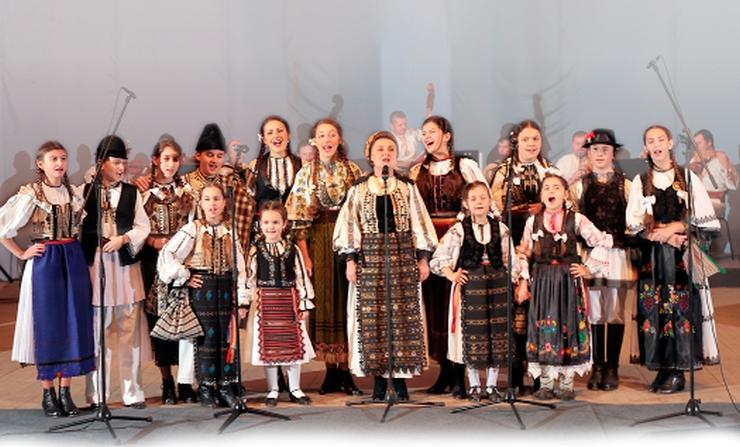 grup muzica populara Leontina Farcas