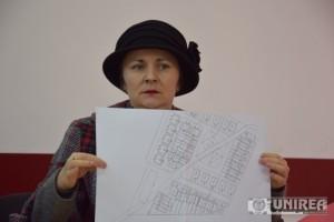 Amalia Petrov03