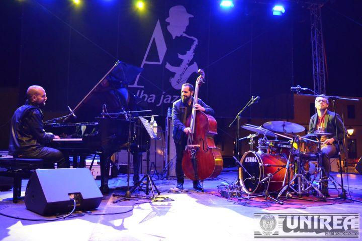 Alba Jazz concert Shai MAestro Trio (4)
